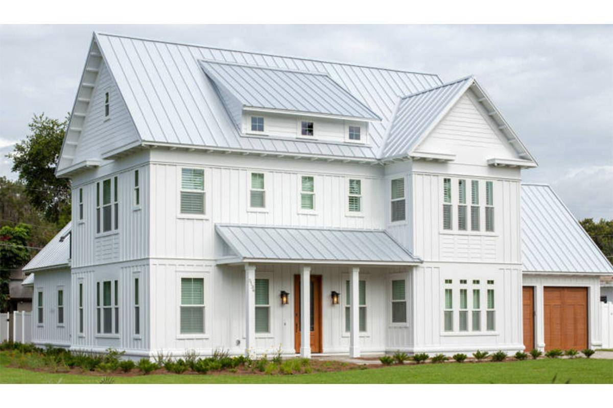 Modern Farmhouse Plan 3978-00039