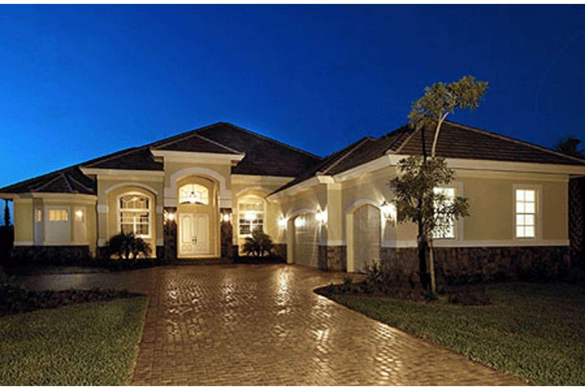 Mediterranean House Plan 1018-00054