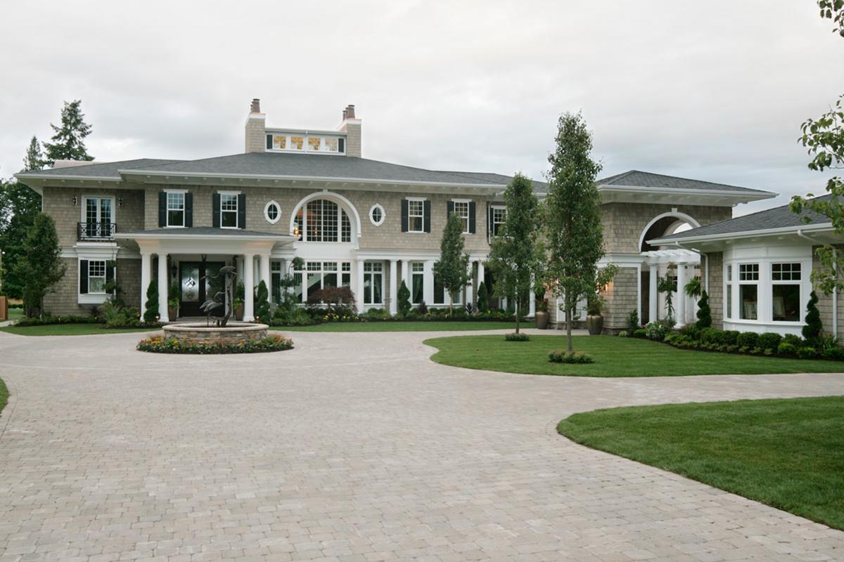 Luxury plan 9 820 square feet 4 bedrooms 7 5 bathrooms for Www houseplans net