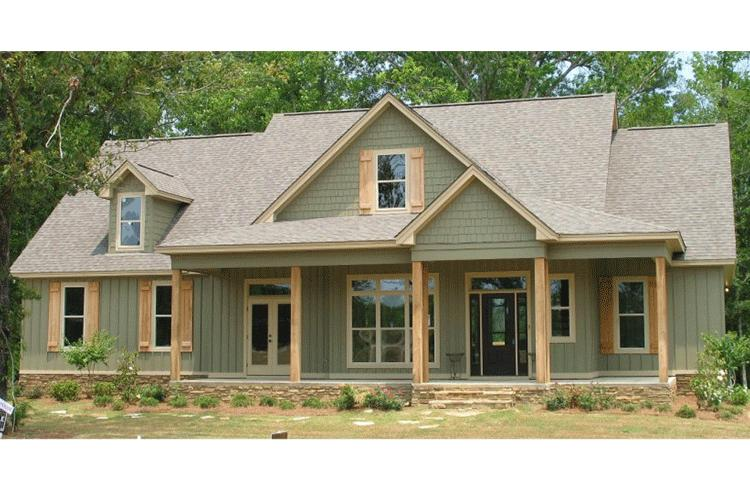 Traditional plan 2 456 square feet 4 bedrooms 3 for Traditional farmhouse plans
