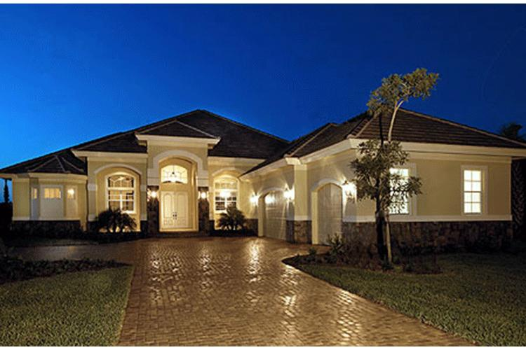 Mediterranean plan 3 089 square feet 3 4 bedrooms 3 for Large one story house