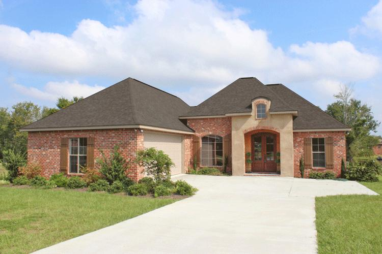 Country plan 1 952 square feet 3 bedrooms 2 bathrooms for Best 2000 sq ft home design