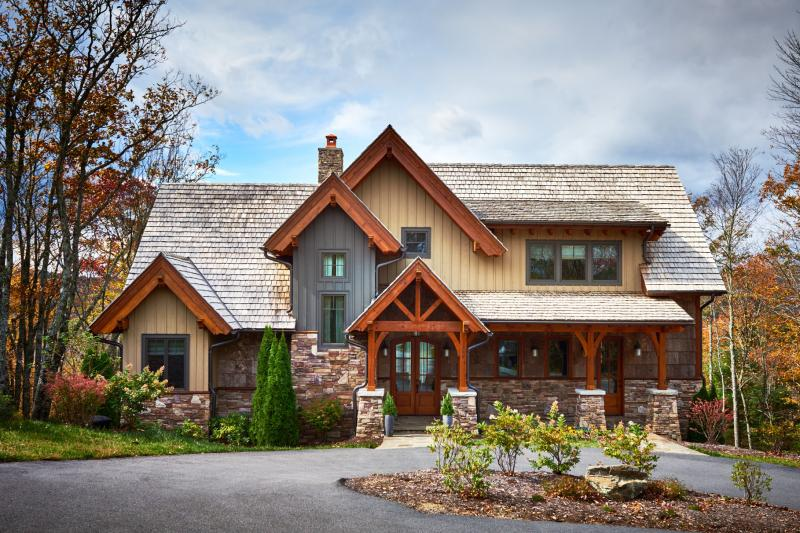 Beau Mountain Rustic Plan: 2,379 Square Feet, 3 Bedrooms, 2.5 Bathrooms    8504 00009