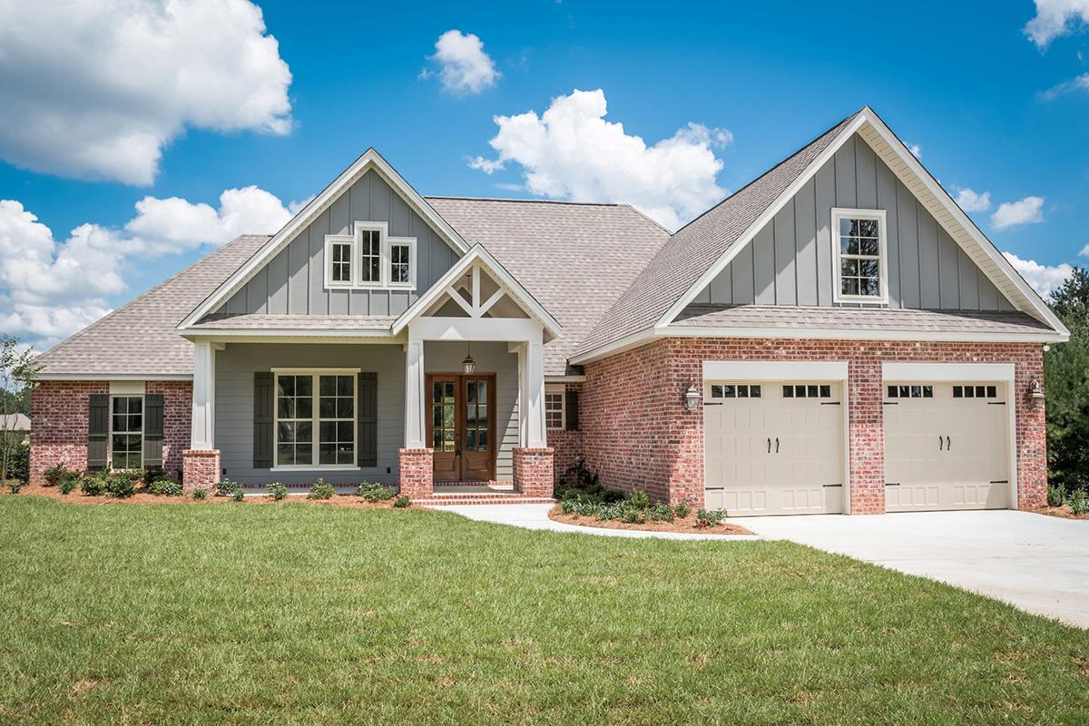 4 Bed, 2 Bath, 2329 Square Foot House Plan - #041-00156