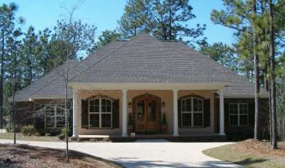 4 Bed, 2 Bath, 2800 Square Foot House Plan - #041-00052