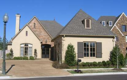 4 Bed, 3 Bath, 3506 Square Foot House Plan - #053-02518