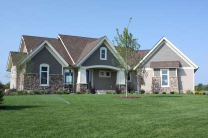 4 Bed, 3 Bath, 3997 Square Foot House Plan - #098-00211