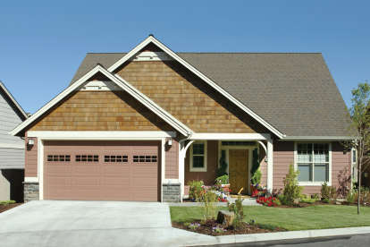 3 Bed, 2 Bath, 1944 Square Foot House Plan - #2559-00199