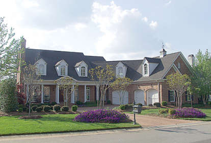 6 Bed, 5 Bath, 5566 Square Foot House Plan - #3323-00401