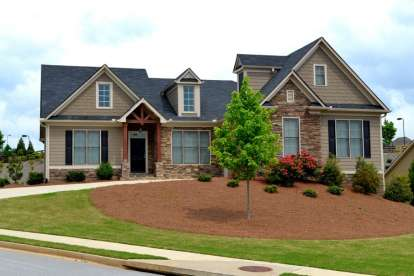3 Bed, 2 Bath, 2201 Square Foot House Plan - #957-00044