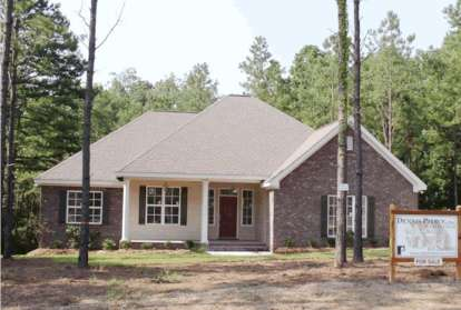 4 Bed, 2 Bath, 1709 Square Foot House Plan - #4848-00255