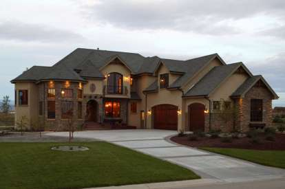 5 Bed, 4 Bath, 5711 Square Foot House Plan - #5631-00015