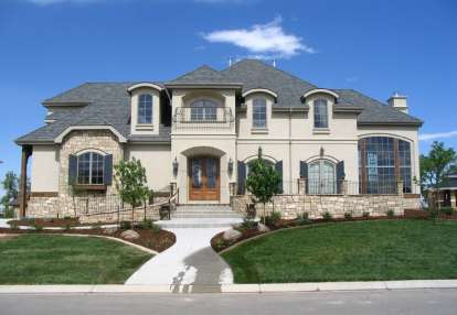 5 Bed, 4 Bath, 5613 Square Foot House Plan - #5631-00018