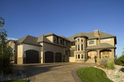 6 Bed, 5 Bath, 6297 Square Foot House Plan - #5631-00037
