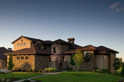 5 Bed, 4 Bath, 6037 Square Foot House Plan #5631-00044
