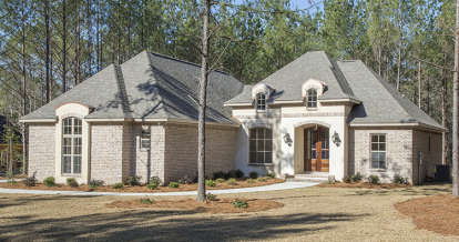 4 Bed, 2 Bath, 2146 Square Foot House Plan - #041-00140