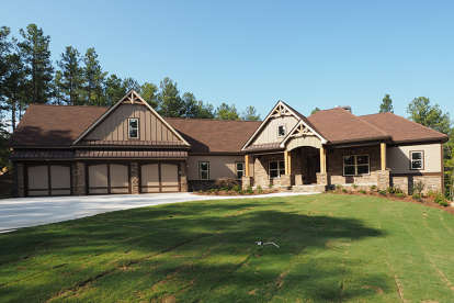 3 Bed, 2 Bath, 2971 Square Foot House Plan - #6082-00056