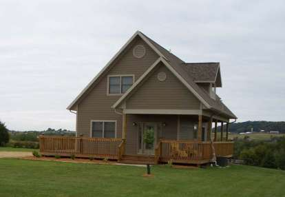 2 Bed, 2 Bath, 1333 Square Foot House Plan - #4177-00008