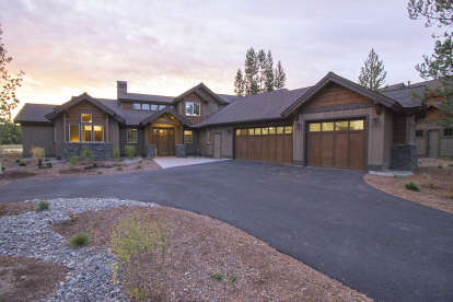 3 Bed, 4 Bath, 2536 Square Foot House Plan #5829-00003