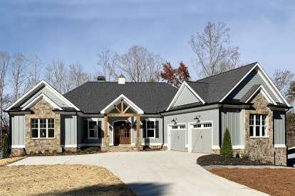 3 Bed, 3 Bath, 3526 Square Foot House Plan - #286-00085