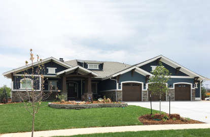 4 Bed, 3 Bath, 3968 Square Foot House Plan - #425-00023