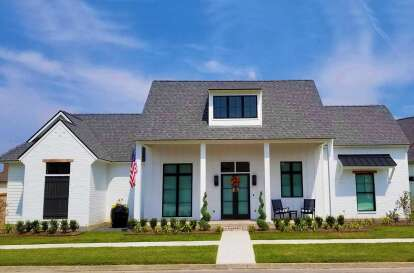 4 Bed, 3 Bath, 2446 Square Foot House Plan - #7516-00045