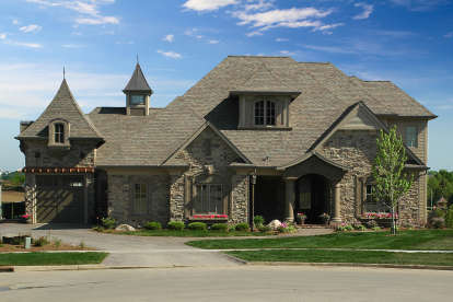 4 Bed, 3 Bath, 4557 Square Foot House Plan - #1020-00342