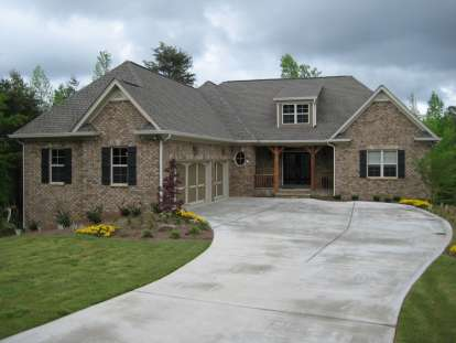 4 Bed, 4 Bath, 3787 Square Foot House Plan - #286-00009