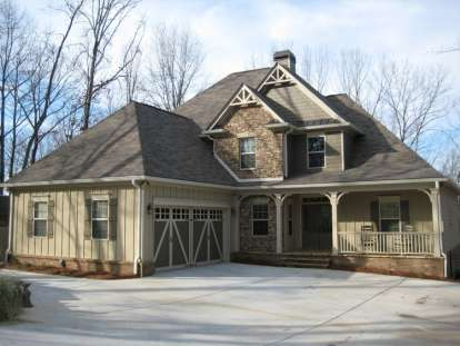4 Bed, 2 Bath, 2562 Square Foot House Plan - #286-00024