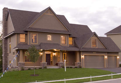 4 Bed, 3 Bath, 3770 Square Foot House Plan - #036-00164
