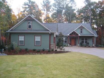 3 Bed, 2 Bath, 2297 Square Foot House Plan - #286-00052