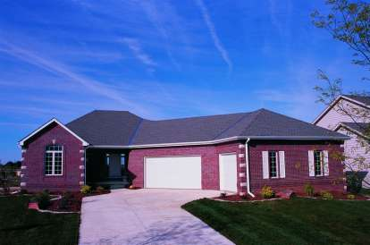3 Bed, 2 Bath, 1709 Square Foot House Plan - #402-00628