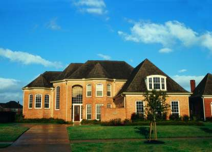 4 Bed, 3 Bath, 3863 Square Foot House Plan - #402-00977